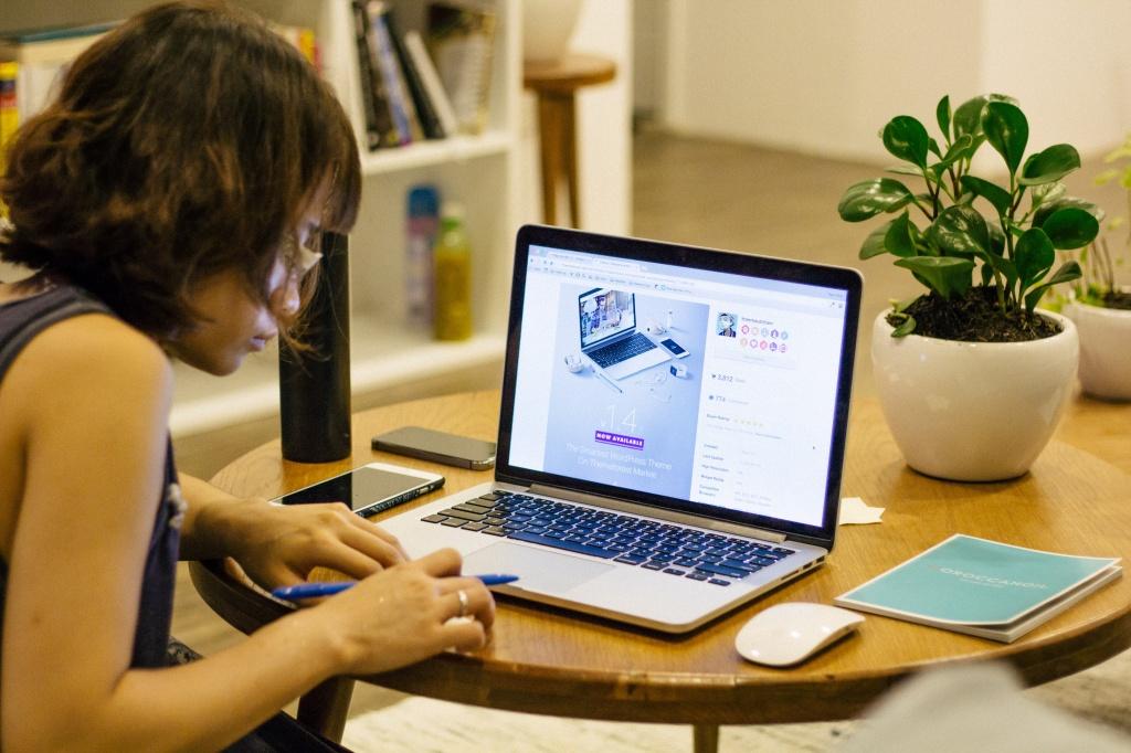 Мама в интернете: зачем женщинам блог