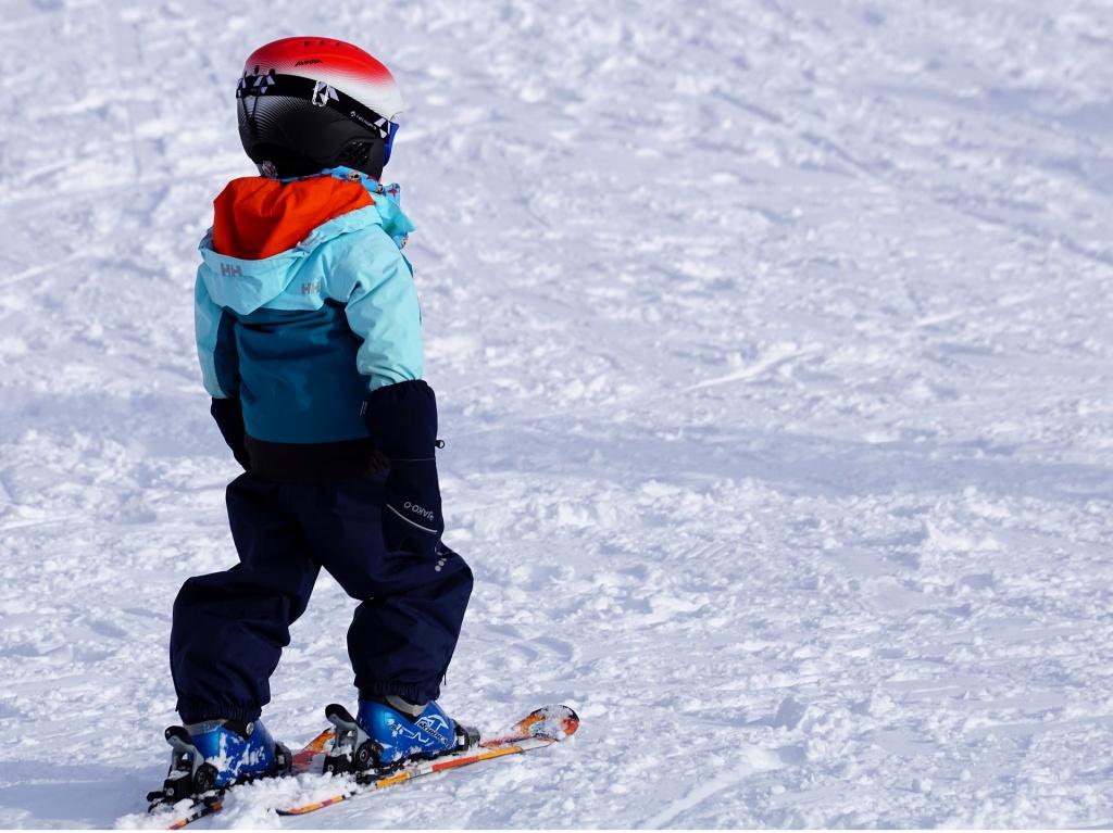 Все на лыжню! Когда знакомить детей с лыжами