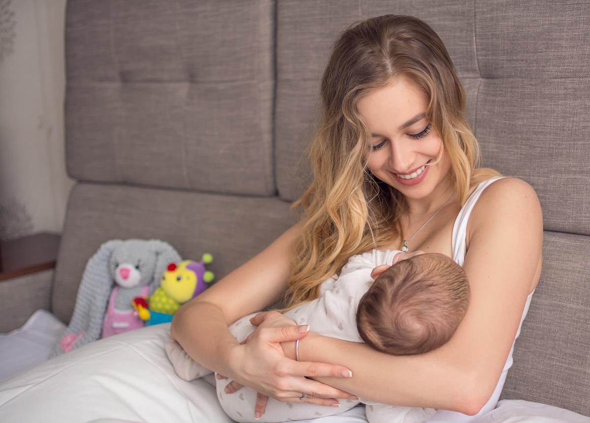 Догляд за грудьми під час годування