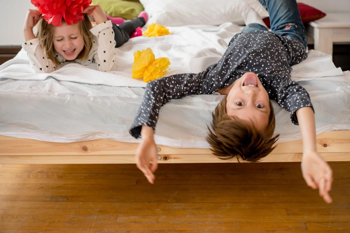 Як розвинути у дитини почуття гумору
