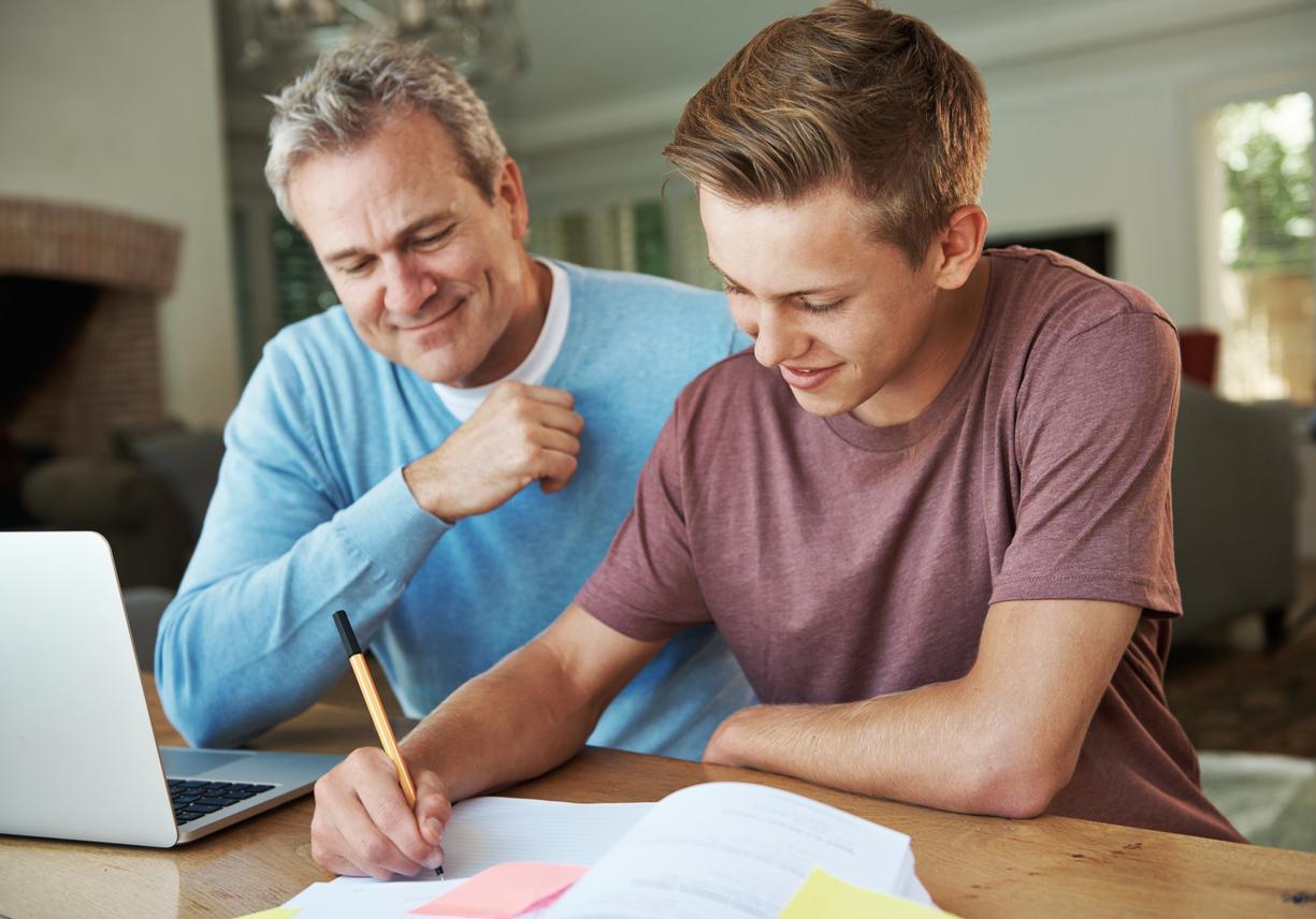 Як допомогти підлітку подолати психологічну напругу під час вступних іспитів