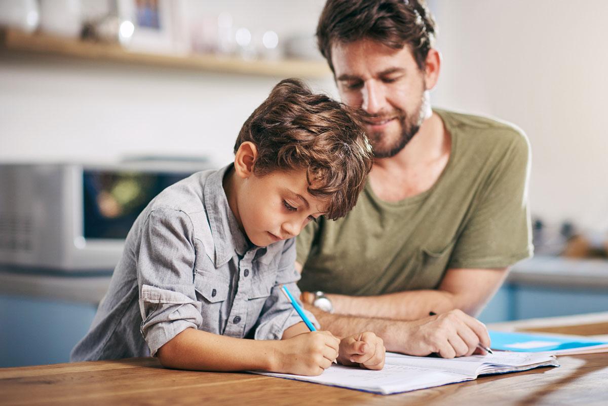 Як допомагати з уроками і не впадати в паніку