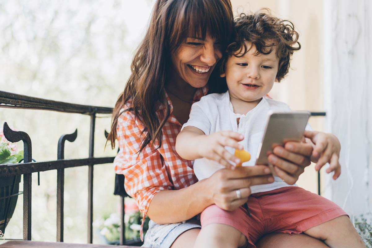 ТОП приложений для смартфона, которые облегчат жизнь маме