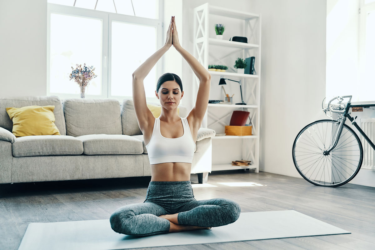 5 простих вправ для відновлення маминих сил
