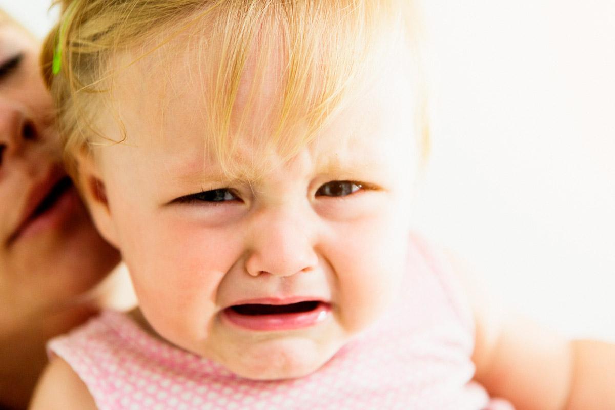 Ребенок ноет: как отучить его от этой привычки