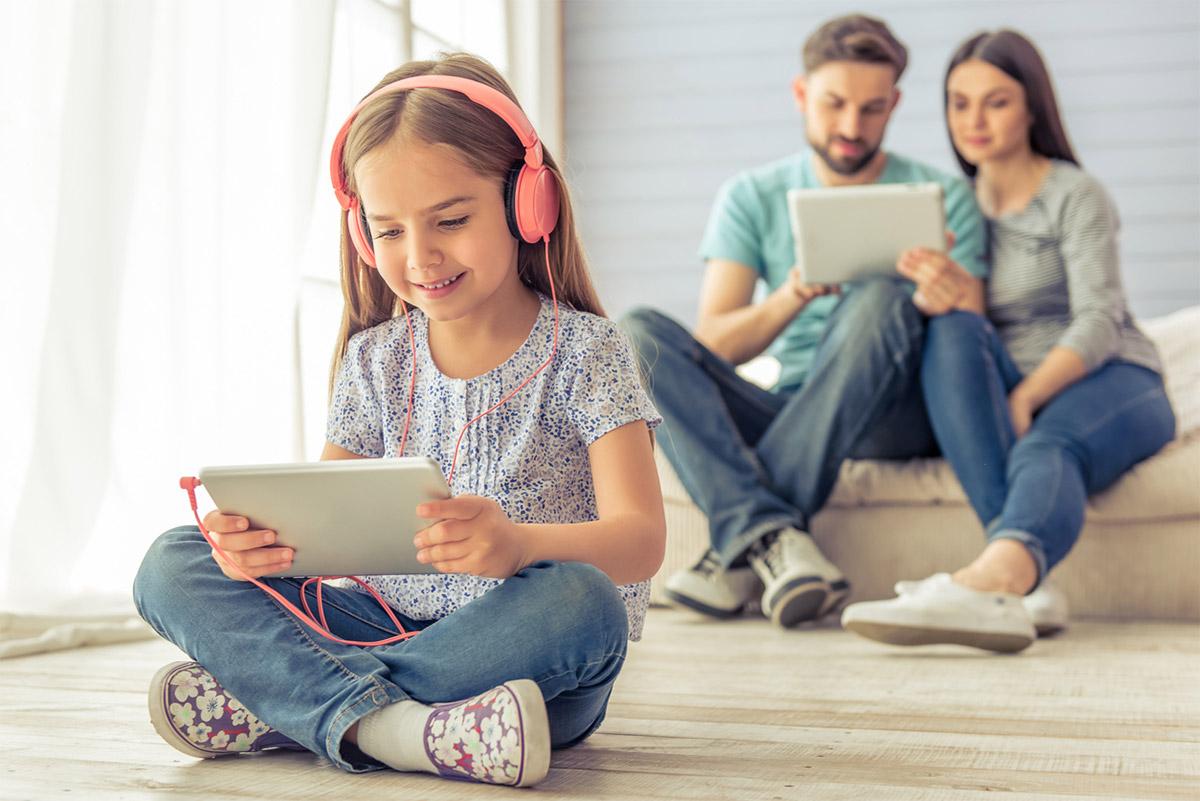 Слухати та слухатись: подкасти для батьків