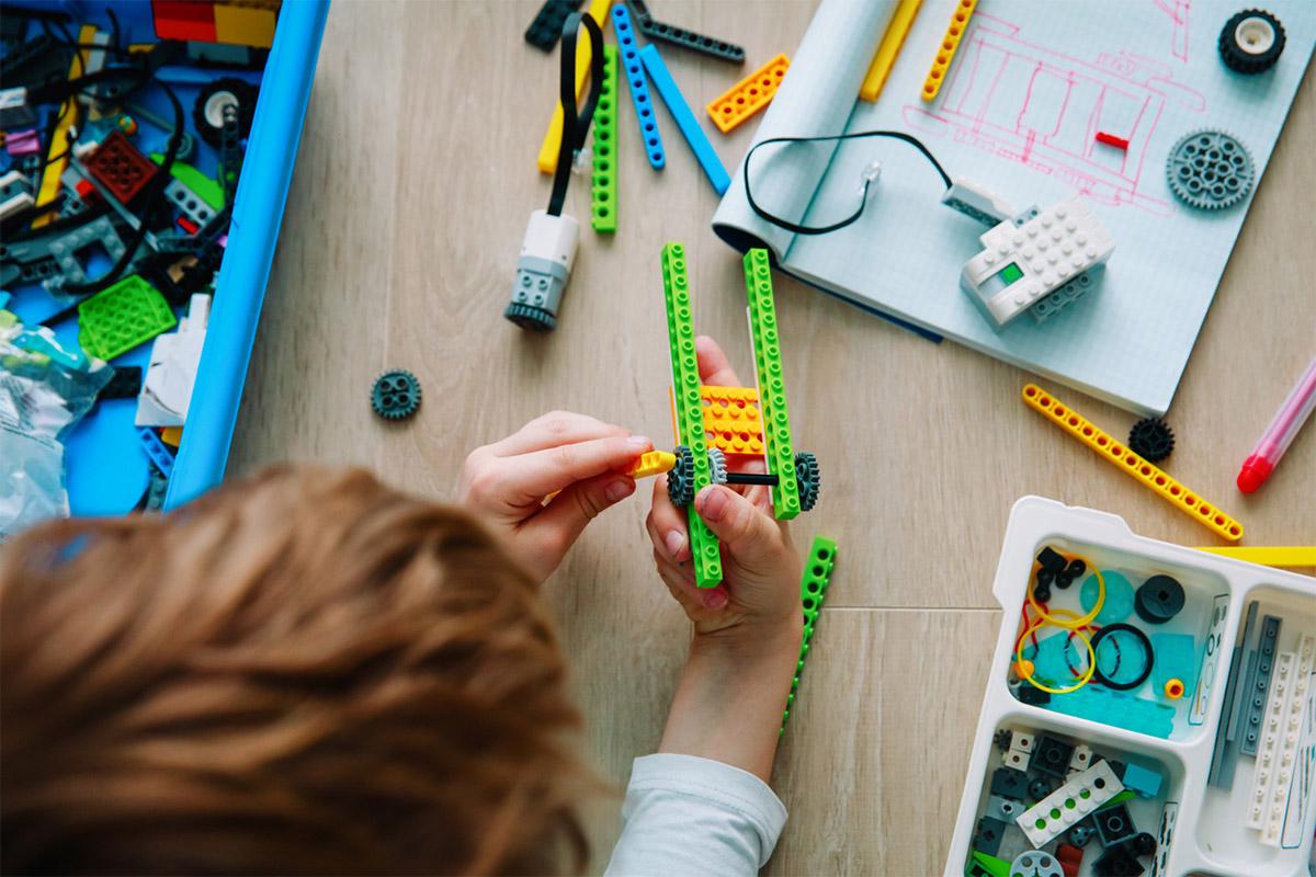 8 навичок, які розвиває дитячий конструктор