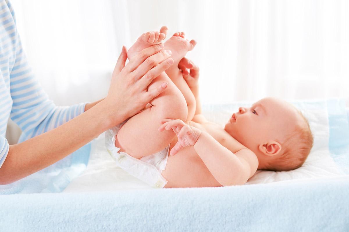 Правила догляду за немовлям з перших днів життя