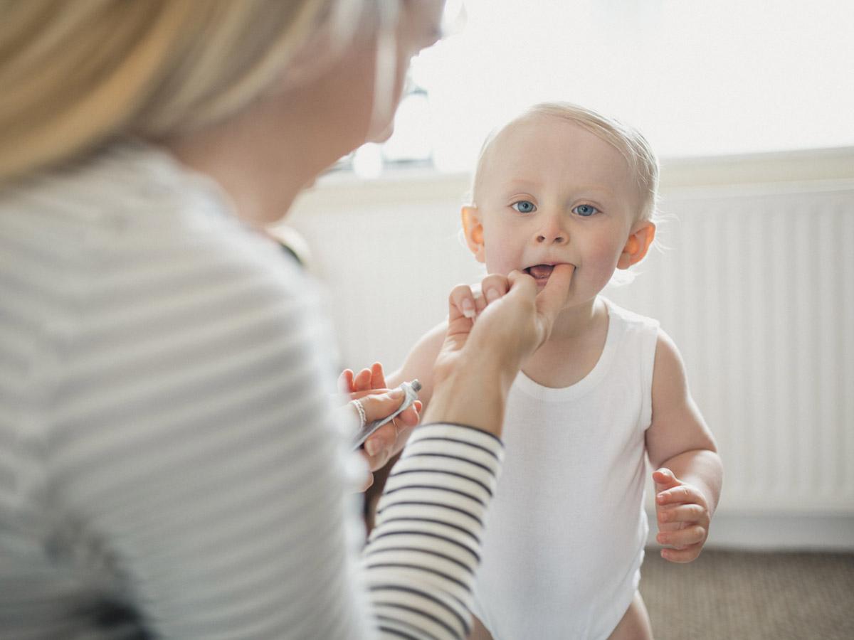 Чем отличаются молочные зубы от постоянных