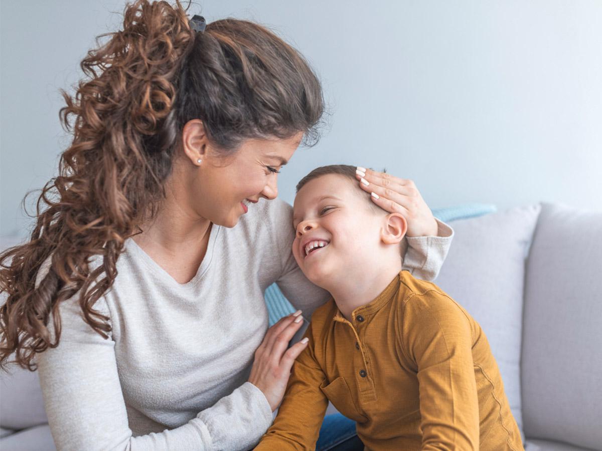 Нужно ли поощрять ребенка: правильные методы похвалы