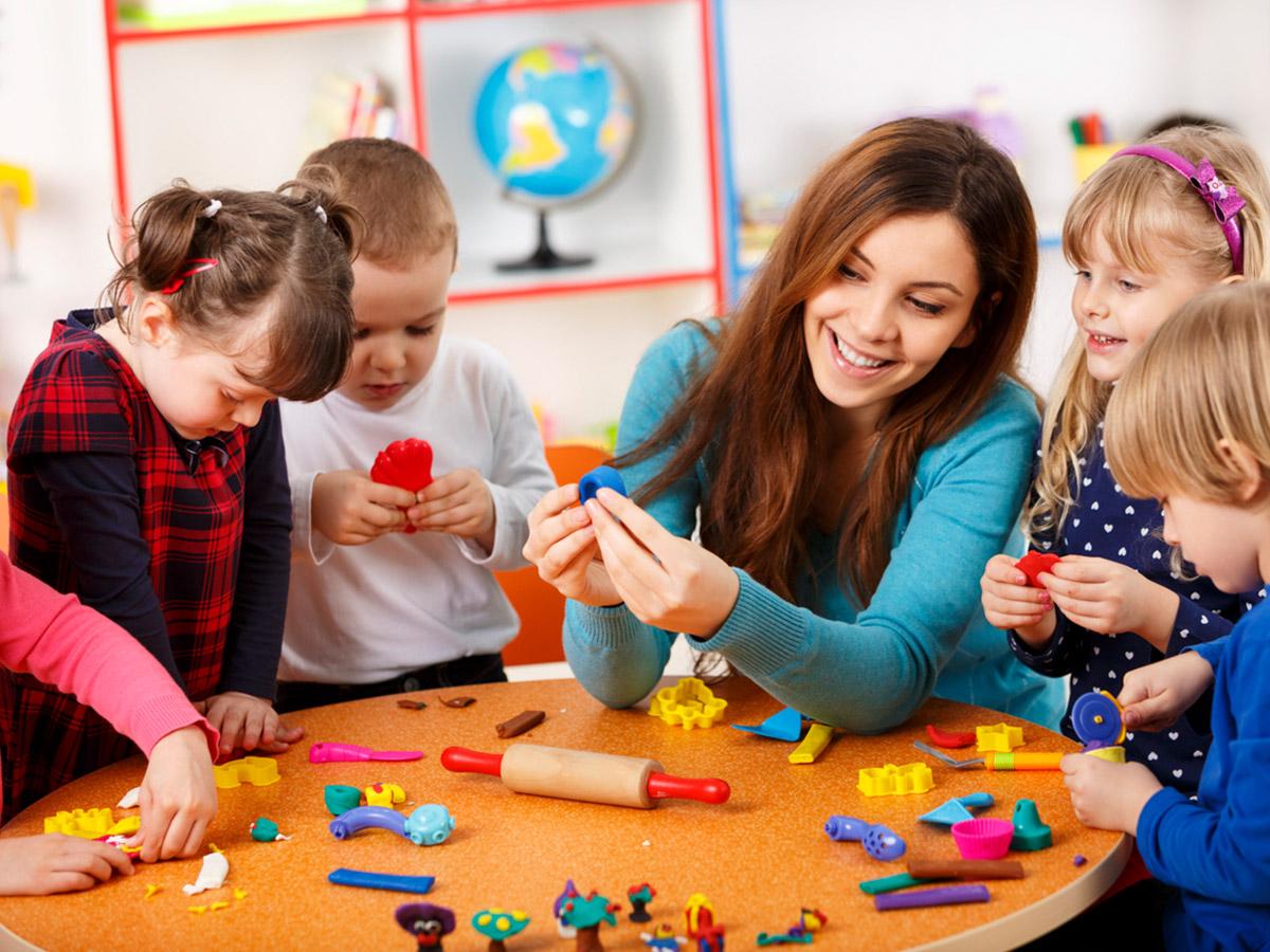 Чи потрібно заохочувати дитину: правильні методи схвалення